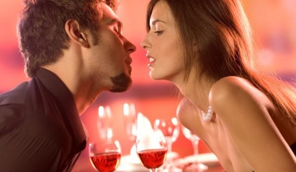flirt and kiss