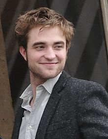 220px-Robert Pattinson Cropped